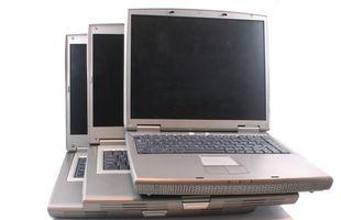 Stapeln Laptops während des Ladevorgangs zu?