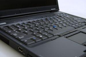 Zum Entfernen und Ersetzen der Dell Vostro 3700 Laptop Wireless-Netzwerkkarte