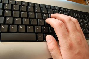 Wie auf einer Tastatur schreiben lernen