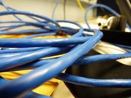 Was ist der Unterschied zwischen ein Cross Over Kabel & ein Ethernet-Kabel?