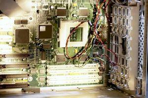 Wie installiere ich neue Speicherchips auf einem Dell Inspiron 531