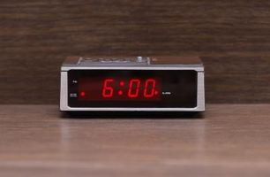 Wie man eine Digitaluhr