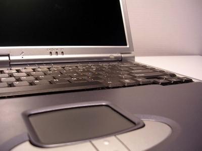 HDTV mit einem VGA-Port einen Dell-Laptop herstellen